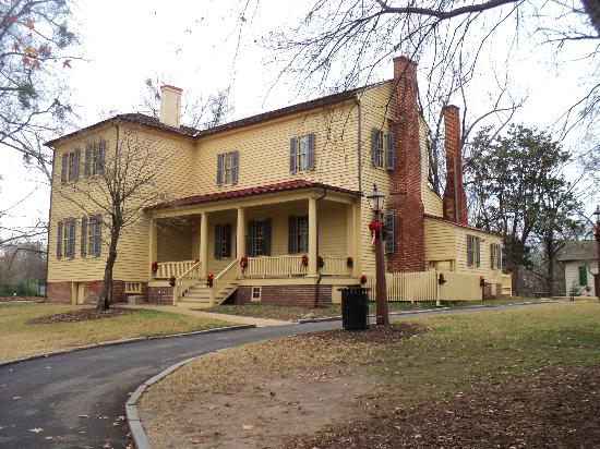 Mordecai house picture of mordecai historic park for The house raleigh