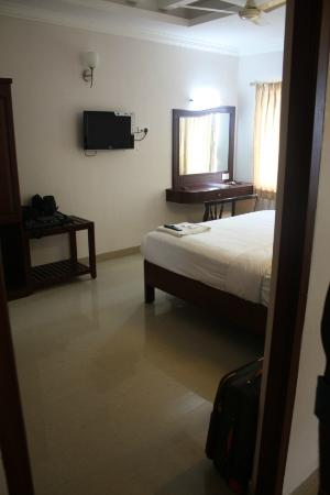 Hotel Queen Palace: Second bedroom