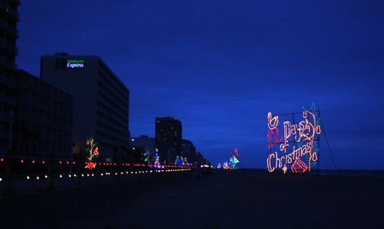 virginia beach boardwalk boardwalk holiday lights - Virginia Beach Christmas Lights