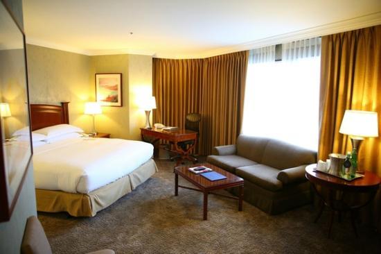 Hilton Los Angeles/Universal City : Room