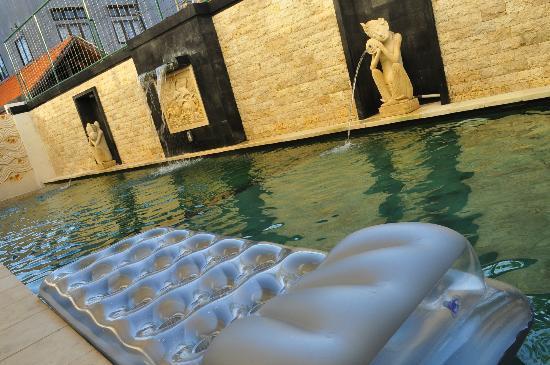 Royal Singosari Kuta: Little swimming pool