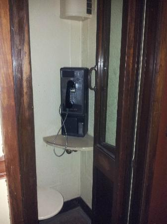 The Historic Plains Hotel: phone