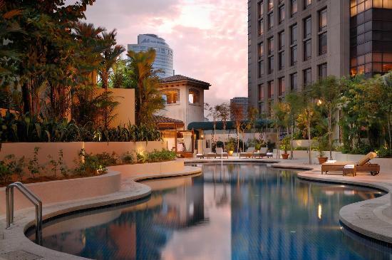 Sheraton Imperial Kuala Lumpur Hotel: Outdoor Swimming Pool