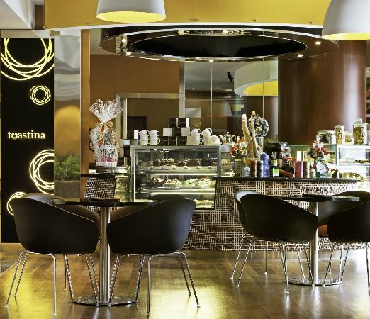 Sheraton Imperial Kuala Lumpur Hotel: Toastina Cafe & Bar