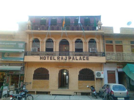 Hotel Raj Palace : Raj Palace outer look
