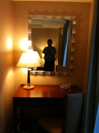 Wanhe Yalong International Hotel Shanghai: Modern and Spacious Rooms