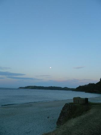 Charley Farley's: Onetangi Bay at dusk