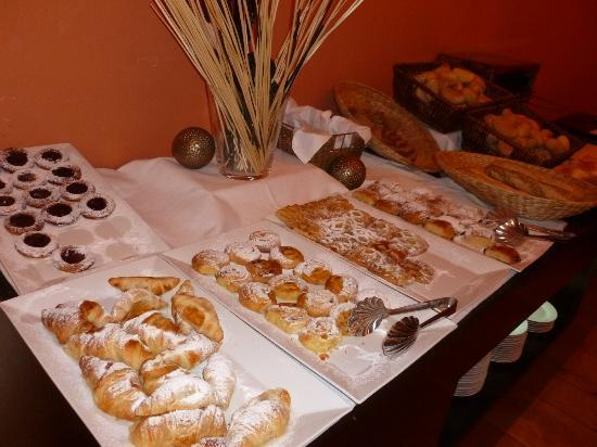 Eurostars David: Buffet de viennoiseries