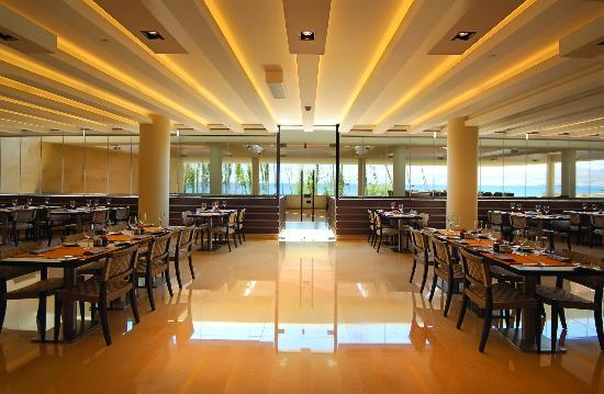 Kempinski Hotel Aqaba Red Sea: AM PM Restaurant - An All Day Fine Dining Affair