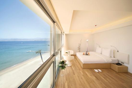 Kempinski Hotel Aqaba Red Sea: Executive Panoramic Suite overlooking the Red Sea