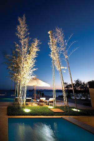 Kempinski Hotel Aqaba Red Sea : Outdoor Pool - Night View