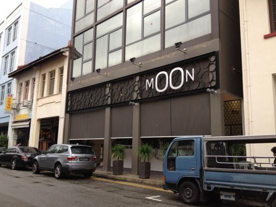 Moon 23 Hotel: Located in Little India