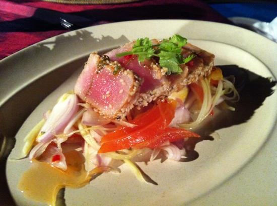 Tepian Laut: Pan seared tuna