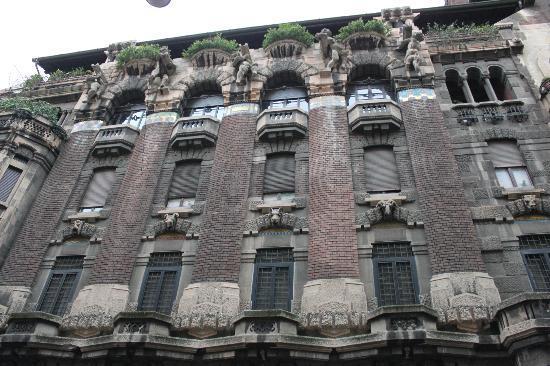 Palazzo Berri-Meregalli: esterno