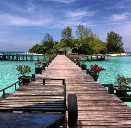 Lankayan Island Dive Resort: Lankayan Island from the restaurant area