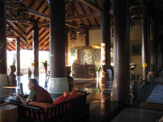 Aureum Palace Resort & Spa Inle : lobby