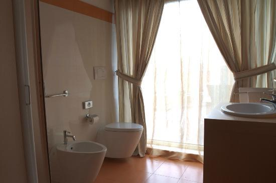 Hotel Catania Town: Bathroom Suite