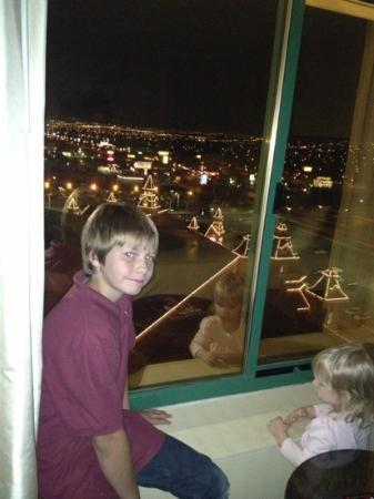 Boulder Station Hotel and Casino : my son checking out the lights !