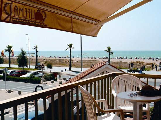 Photo of Solifemar Aparthotel Castelldefels