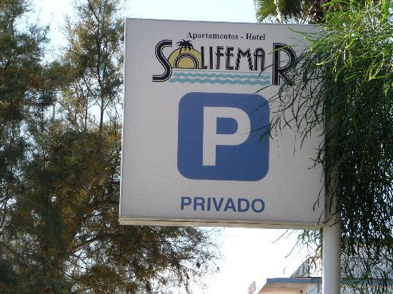 Solifemar Aparthotel: Parking privado y gratuito