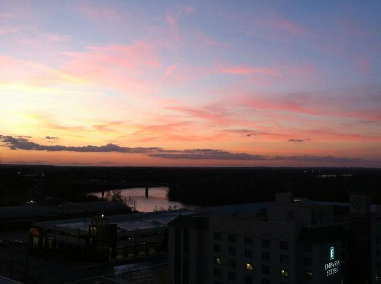 Renaissance Montgomery Hotel and Spa at the Convention Center: View of river at sunset from the Renaissance