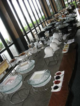 Hansar Samui Resort : Breakfast buffet