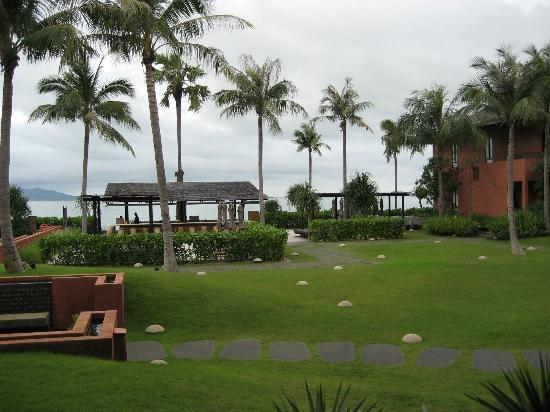 Hansar Samui Resort: Hotel Grounds