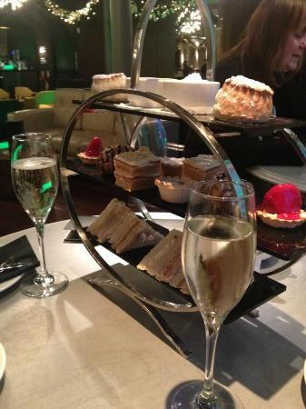 29th The Grill: Delightful Afternoon Tea at 29