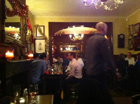 The Star Tavern: sala