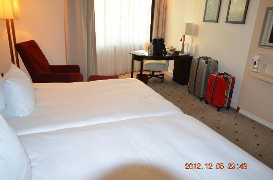 Le Meridien Stuttgart: 寝室2