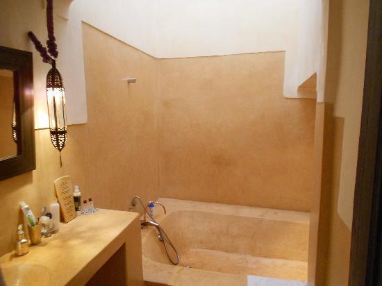 Hotel & Spa Dar Baraka & Karam: our bathroom 