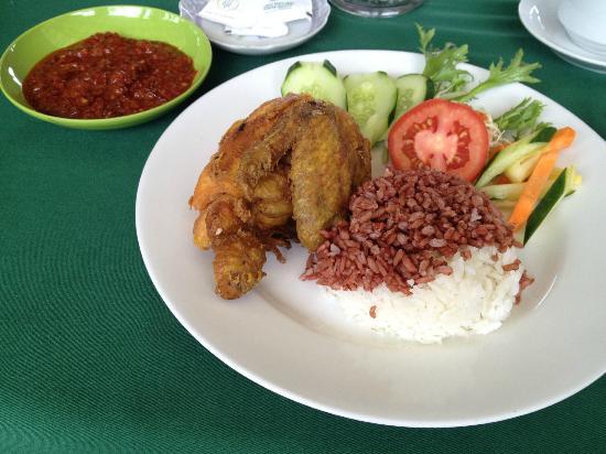 Warung Dhea, Jatiluwih: Nasi Ayam Goreng Sambal