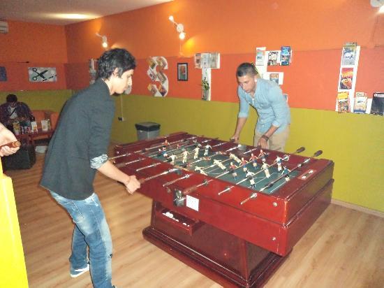 Yellow Nest Hostel Barcelona: Footballgame
