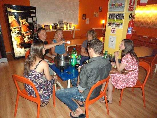 Yellow Nest Hostel Barcelona: Party night