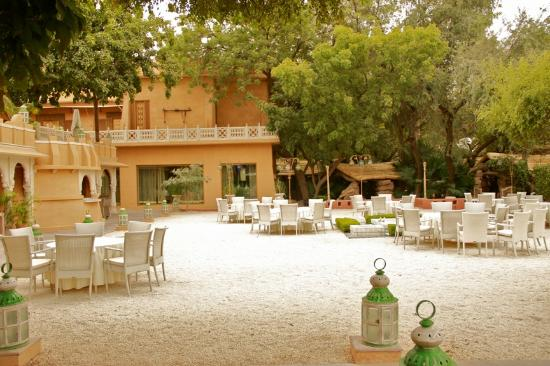 Ajit Bhawan: garden area used for evening BBQ parties