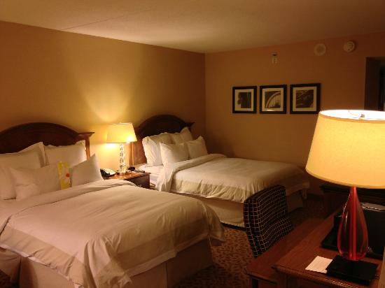 Boston Marriott Cambridge: ツインルーム室内