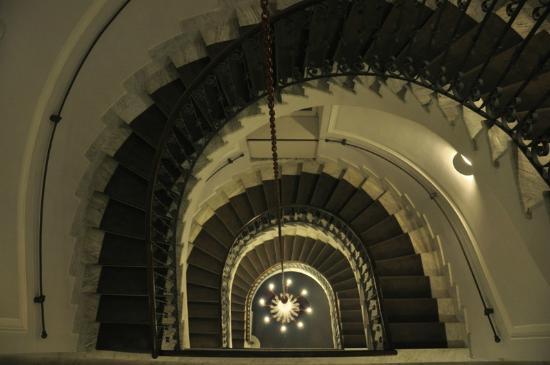 Hotel Palazzo Decumani: Escalera del hotel