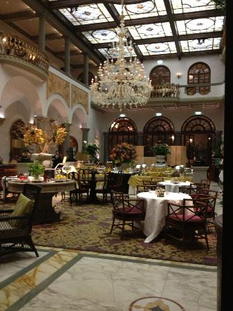 The St. Regis Florence: Elegant dining area