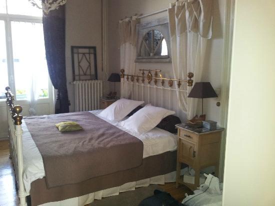 Cote Parc: Comfy bed