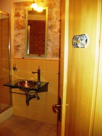 Susak Sansego: Bathroom House 612