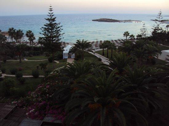 Nissi Beach Resort: вид с балкона 