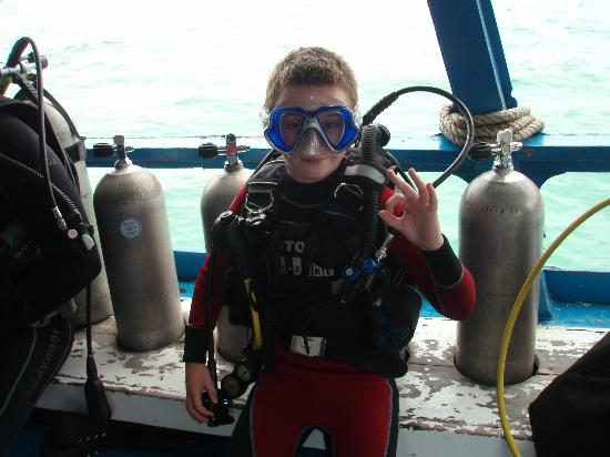 Dive South East Asia: Kel W Junior Open Water excitement!