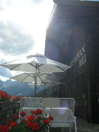 Hotel Nest - und Bietschhorn: View down the valley from the terrace