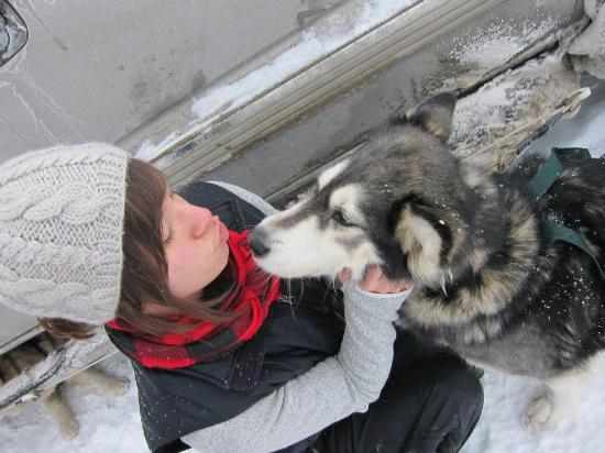 Valley Snow Dogz: Dog kisses