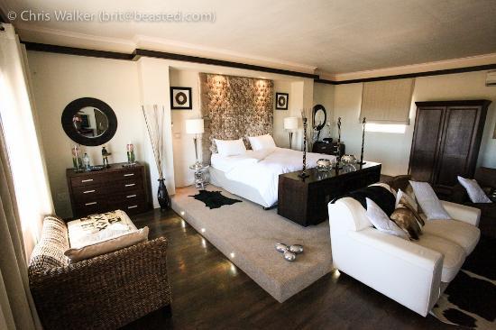Inverdoorn Game Reserve: Ambassador Suite