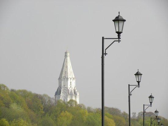Kolomenskoye Historical and Architectural Museum and Reserve: Набережная Москвы-реки
