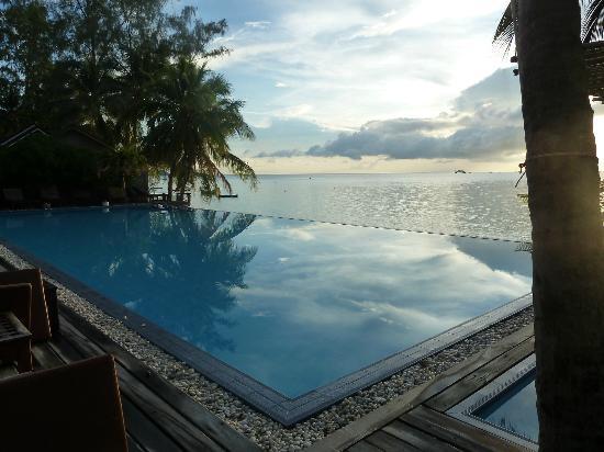 صنسيت كوف ريزورت: Pool View 