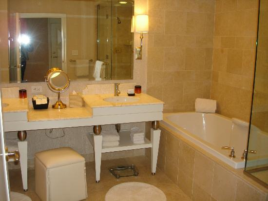 Wynn Las Vegas: Bathroom
