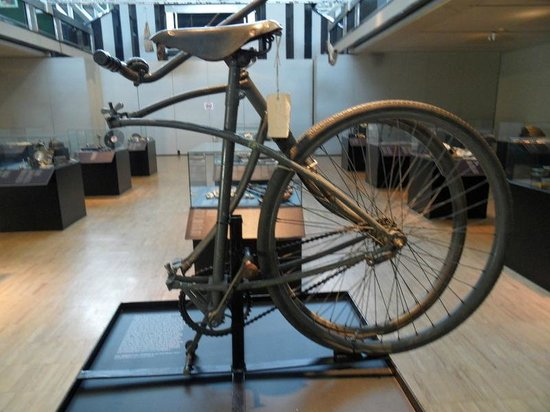 Paratrooper S Folding Bike Ww Ii Picture Of Royal Museum Of The