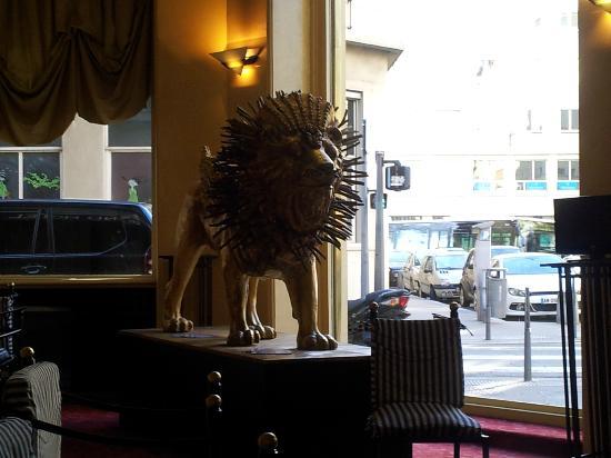 B4 Lyon: Lobby del Hotel